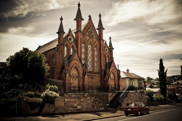 Money and Ministry: Should Churches use Mortgages? – God, Money and Me...